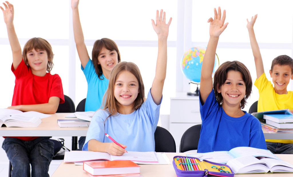 Ingin Anak Percaya Diri ? Sampaikan 5 Kalimat Sugesti Ini Kepada Anak Anda