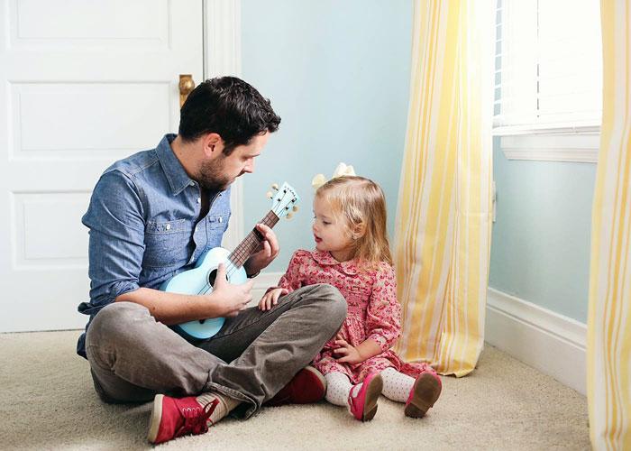 Pahami, Sugesti Penting Ayah yang Mengasuh Anak