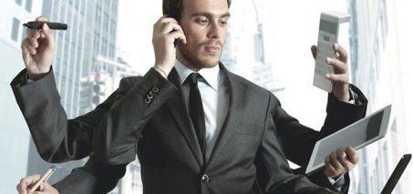 5 Cara Menyikapi Pasangan yang Terlalu Workaholic
