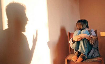 Membuat Anak Sulit Berkembang, Orangtua Wajib Hindari Sikap Otoriter Ini !