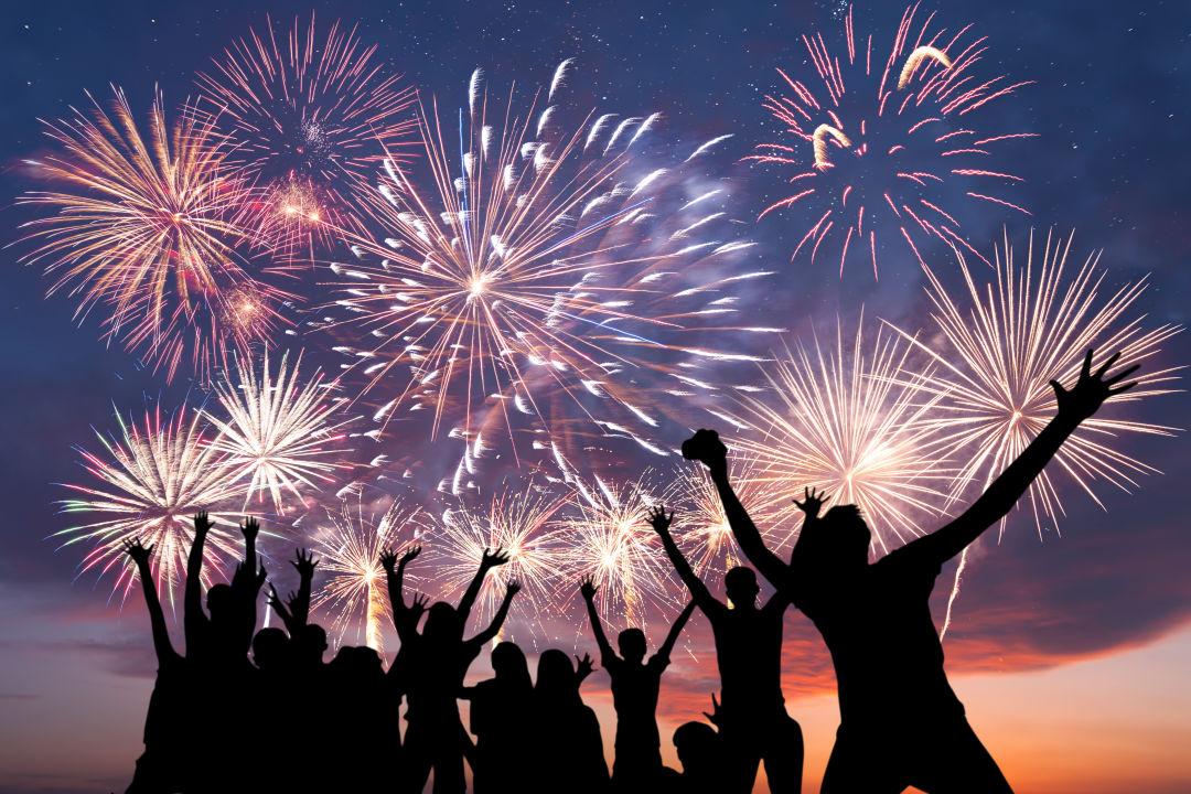 Malam Tahun Baru Dirumah ? Lakukan 5 Aktivitas Seru Ini !